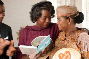 Viola Davis as Aibileen and Octavia Spencer as Minny in the film The Help